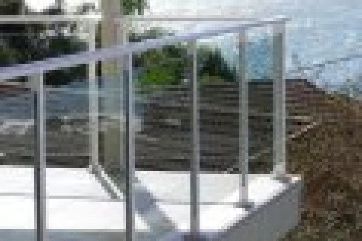 Alumitec Glass balustrading 720 480